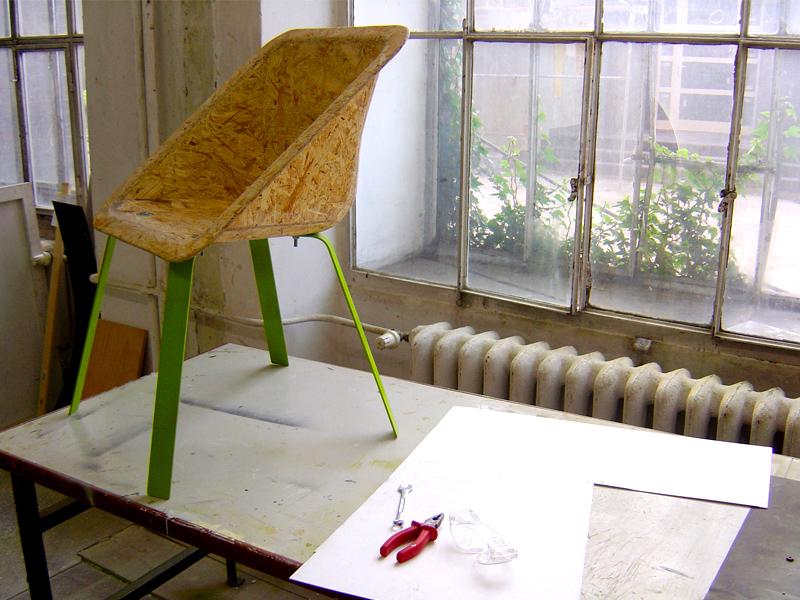 piotr hojda woodworm chair warsztat